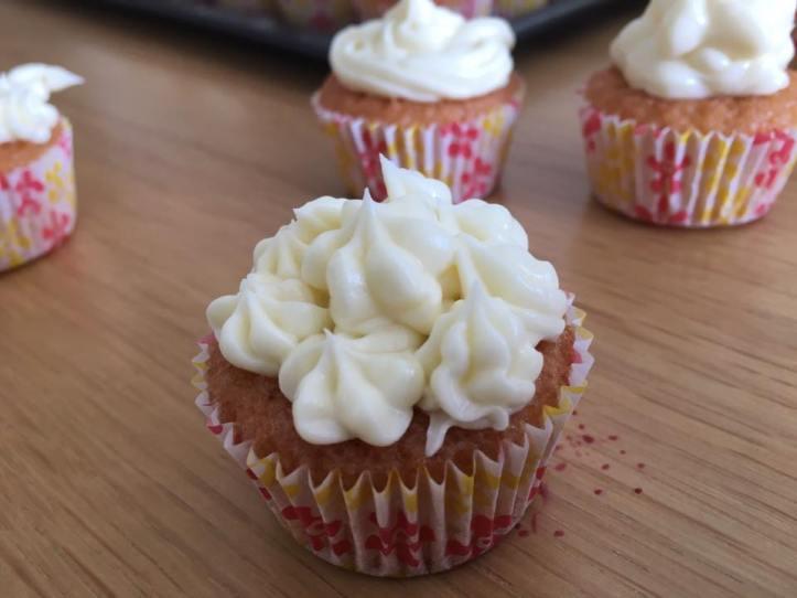 6mqj-17-cupcakes3